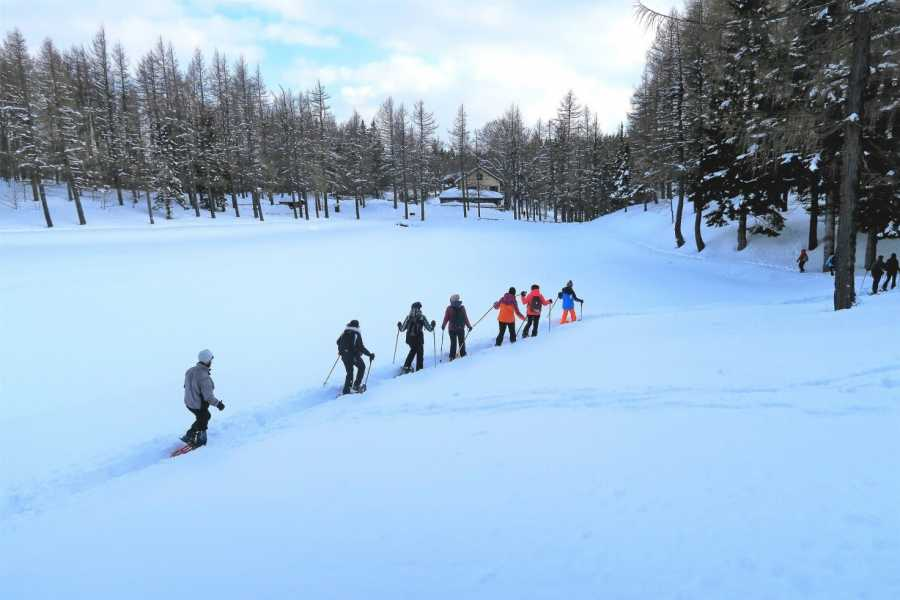 Modenatur SNOWSHOE EXCURSION AT THE LAGO DELLA NINFA