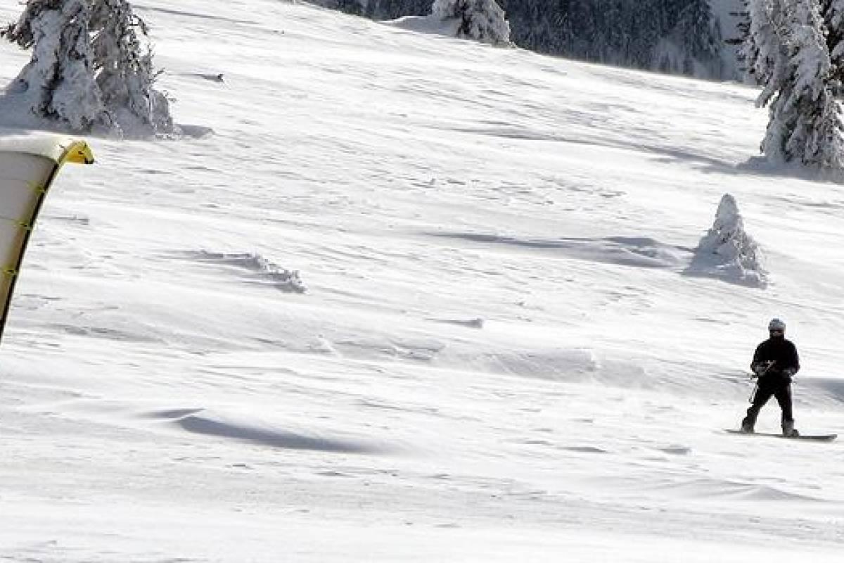 Andermatt Adventure - Crown of Alps AG Snowkitekurs für Neugierige