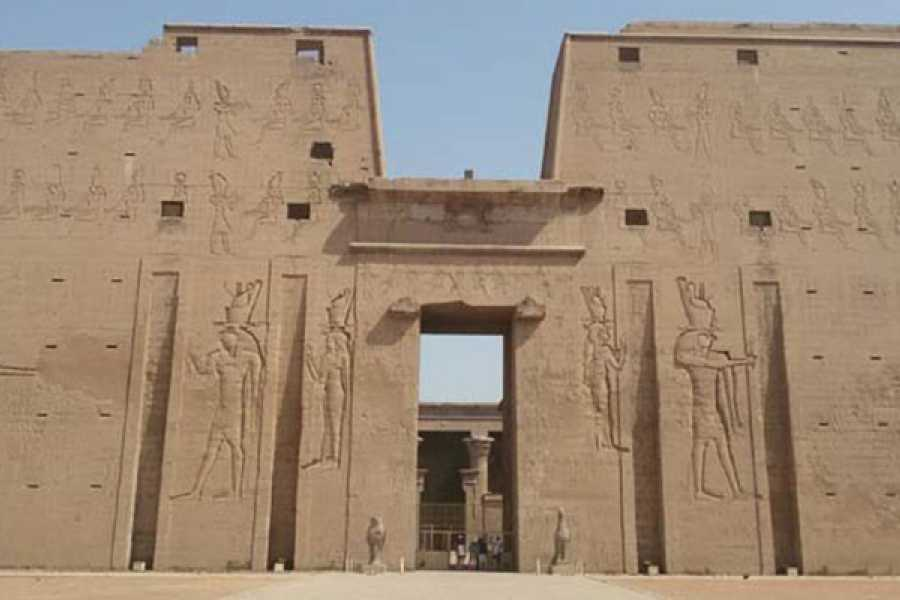 EMO TOURS EGYPT Private trip to Edfu and Kom Ombo Temples from Luxor