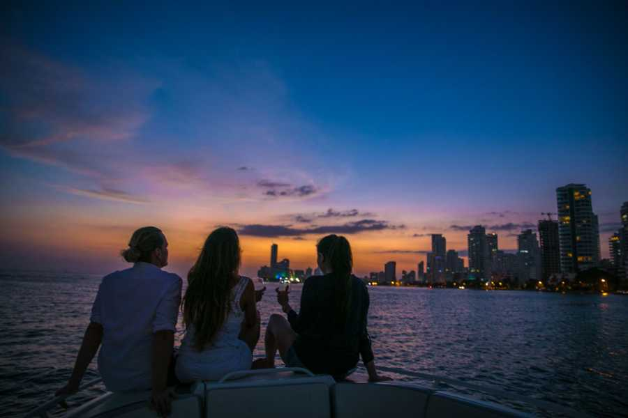 Backpackers 1. Sunset Boat Cartagena