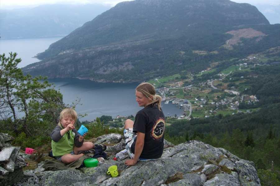 Juklafjord -Jondal Tourist Information 7-Strondi-Haugsvarden