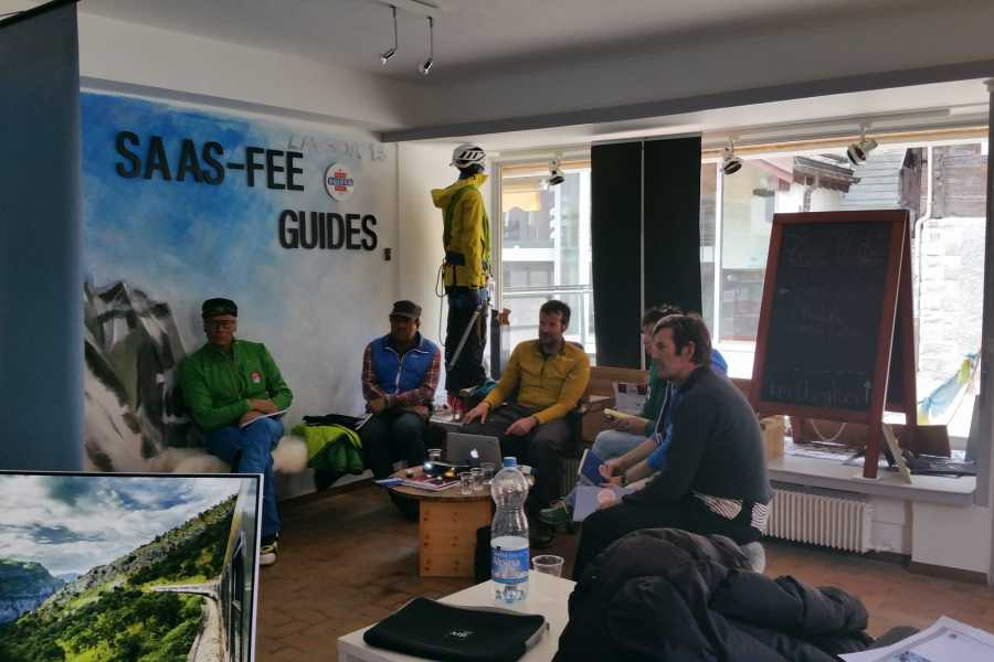 Saas-Fee Guides Avalanche Course - ISTA ST1