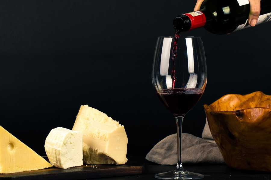 Grekaddict Greek Cheese and Wine Tasting in Thessaloniki