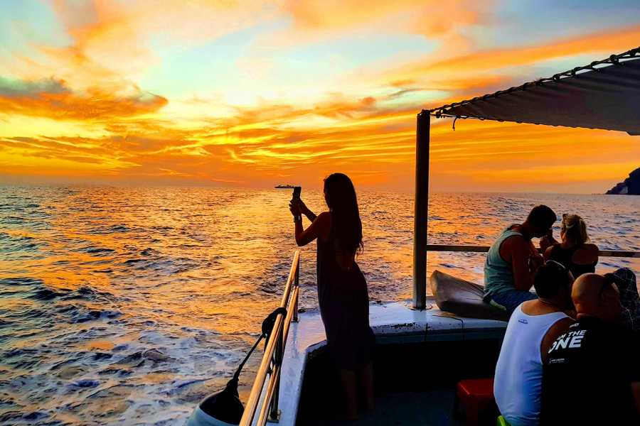 Grekaddict Sunset Fishing Tour in Santorini