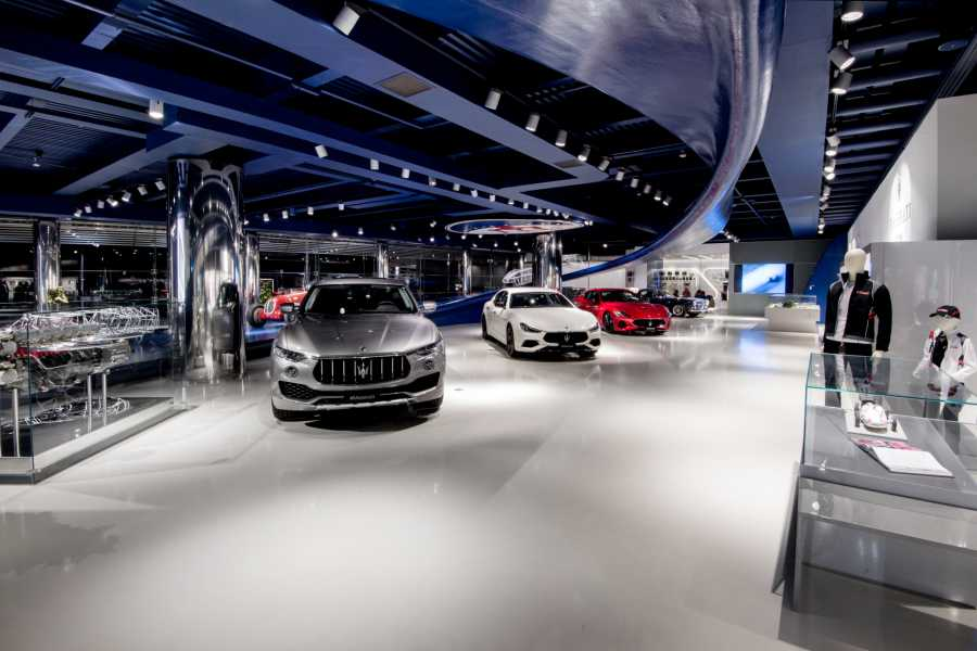 Modenatur MVF/ Maserati showroom tour