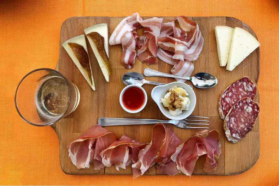 Enjoy Appennino Food & Wine Experience to taste the Apennines