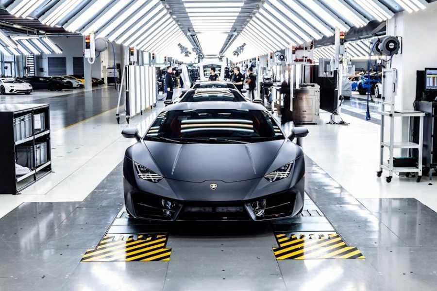 Modenatur MFV/ Lamborghini Factory tour