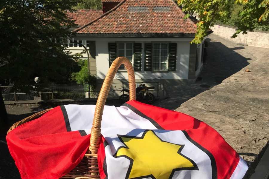 Interlaken Tourismus Stadtrundgang: «Unterwägs mit em Thuner Gschichte-Chorb»