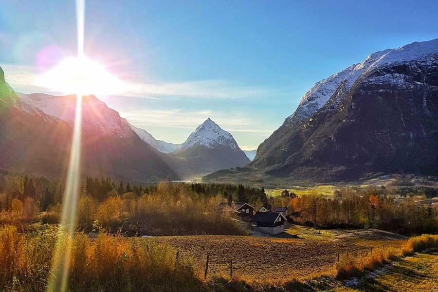 Nordfjord Aktiv Eggenipa Hike