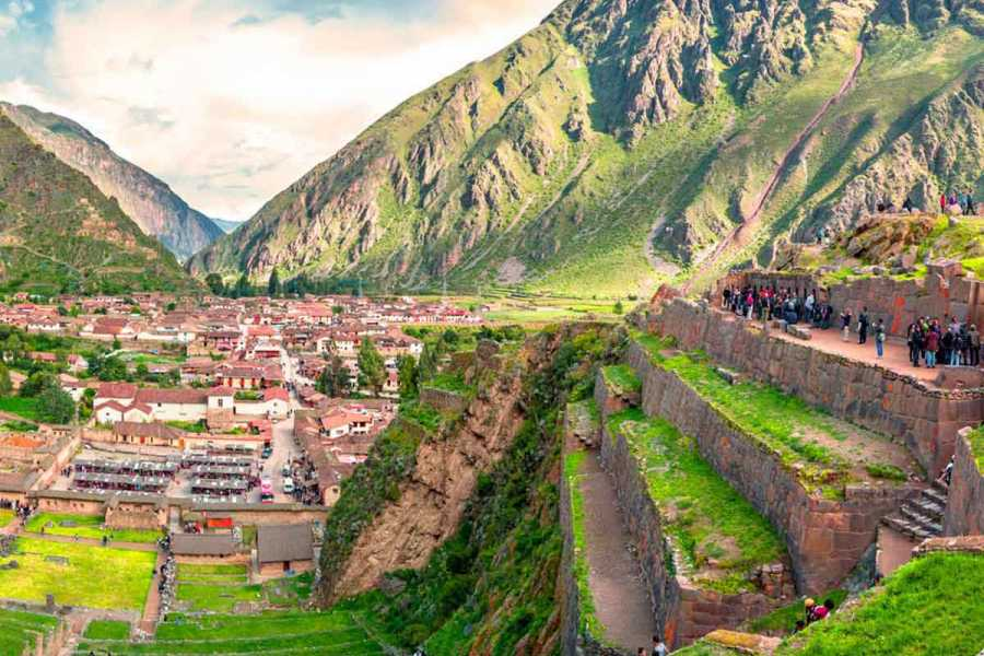 Uyuni Expeditions TRANSFER CUSCO TO OLLANTAYTAMBO