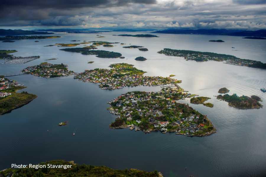 Travel like the locals Øyhopping til Lindøy og Langøy