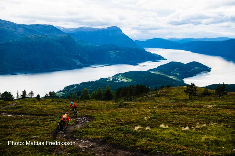 Travel like the locals Sogn & Fjordane Round trip in Nordfjord