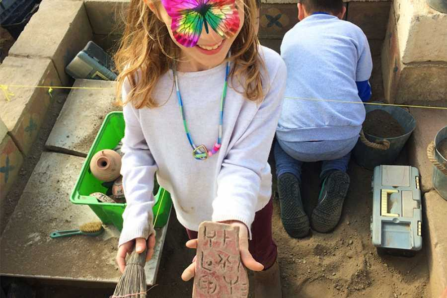 Destination Platanias BE AN ARCHAEOLOGIST FOR A DAY! ONLY FOR Kids 40 EUR/ PARENTS FREE