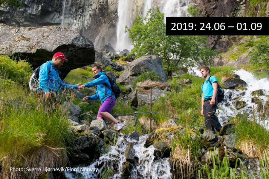 """Travel like the locals Sogn & Fjordane """"Hiking bus"""" from Aurlandsdalen"""