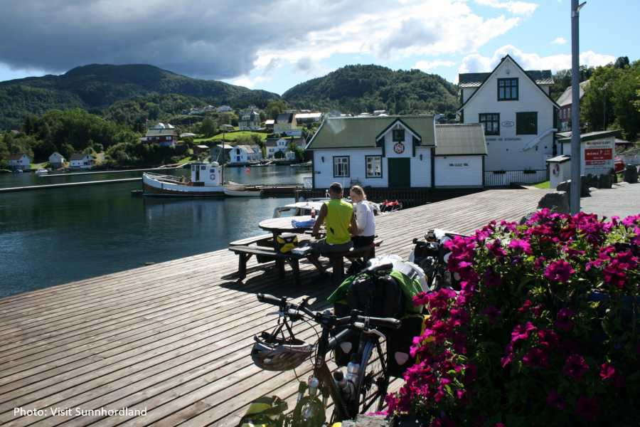 Travel like the locals ISLAND-HOPPING IN THE HARDANGERFJORD