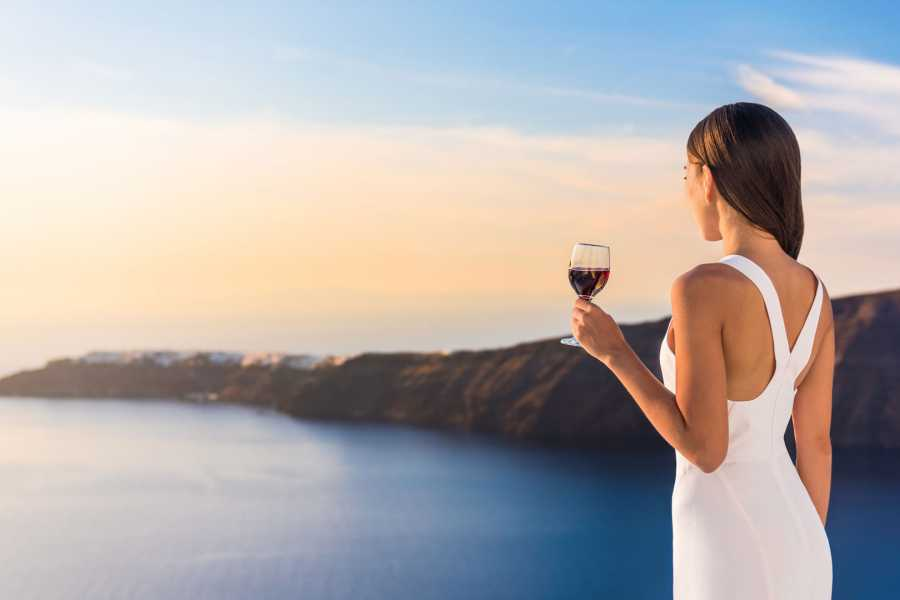 Grekaddict Wine Tasting and Winery Tour in Santorini