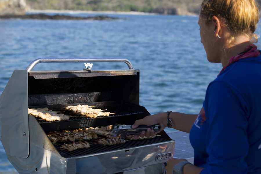 Tour Guanacaste Celebrity Yacht & BBQ Tour