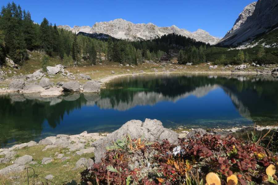 Turistično društvo in Center gorskega vodništva Triglav skozi Dolino sedmerih jezer