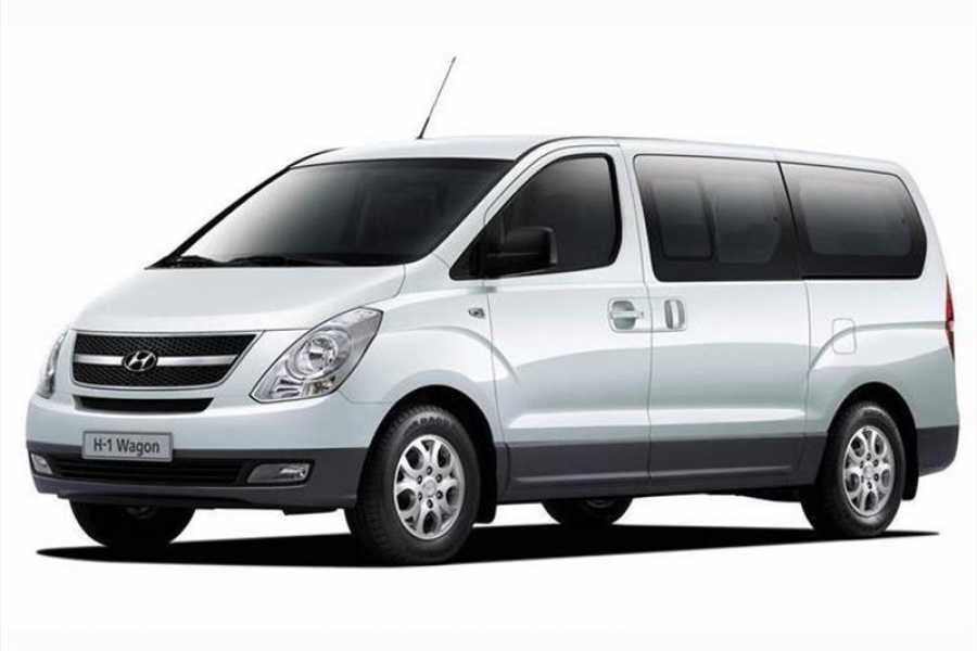 Tour Guanacaste Hyundai H1 Economy rental