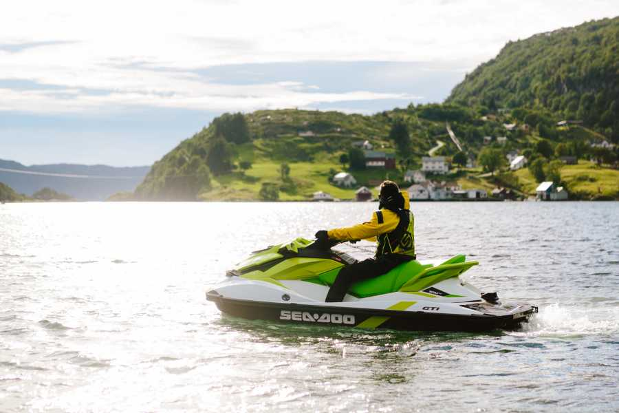 Lihesten 777 Jetski Safari in the Sognefjord