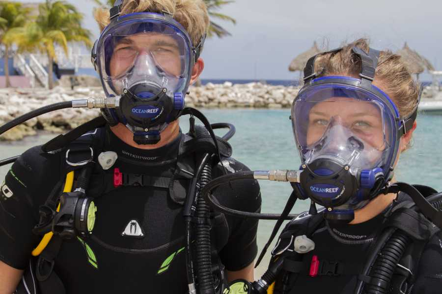 Blue Bay Dive & Watersports PADI Ocean Reef Full Face IDM & Communicatie
