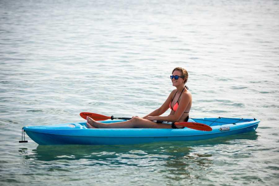 Blue Bay Dive & Watersports Transparante Kayak verhuur 1 uur