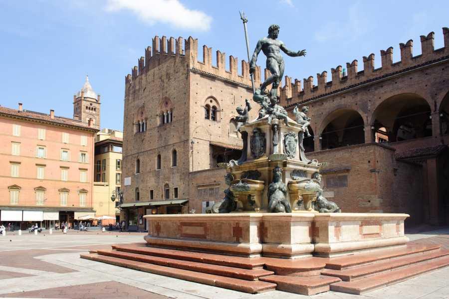 Bologna Welcome - Bike in Bo TOUR A PIEDI FOTOGRAFICO DI BOLOGNA