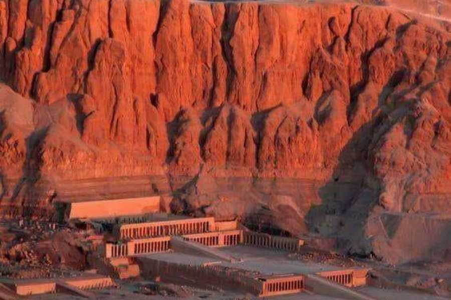 Deluxe Travel Queen Hatshepsut Tour - Cairo / Luxor / Cairo 05 Nights