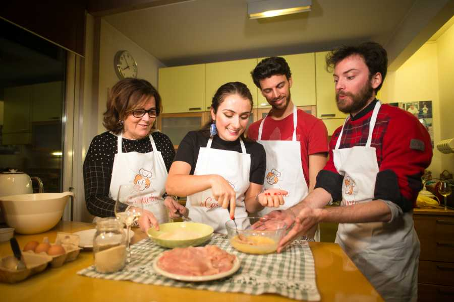 Bologna Welcome - Le Cesarine AT CESARINA'S HOME: COOKING CLASS, TOUR AND DINNER IN BOLOGNA