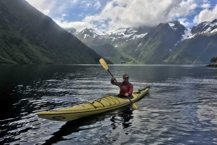 Norway Adventures 2 dagers, kajakktur Hjørundfjord (telt)