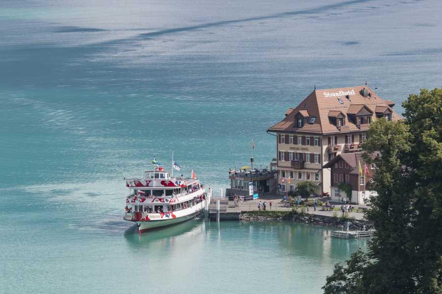 BLS AG, Schifffahrt 1-hour cruise with soft drink on Lake Brienz