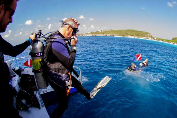 2 Guided Boat Dives (Groove Diving)