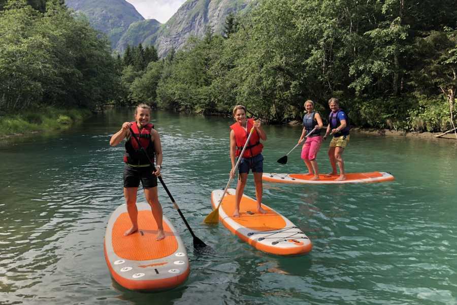 Friluftslek SUP on the Istra River - Åndalsnes Romsdalen
