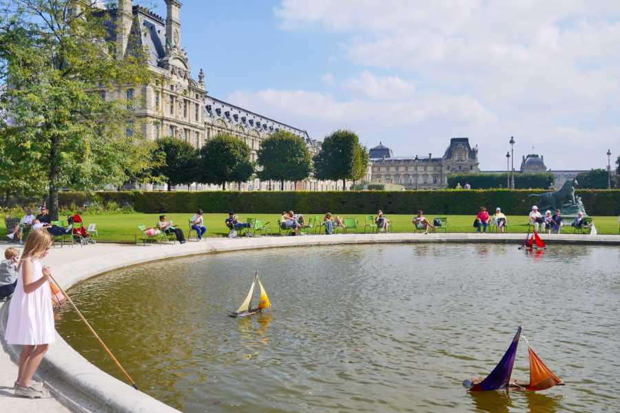Memories France Paris in One Day: Customizable Full Day Sightseeing