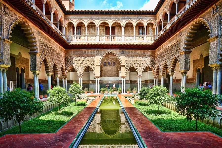 NHUE Cathedral and Royal Alcazar of Sevilla. Private Tour.