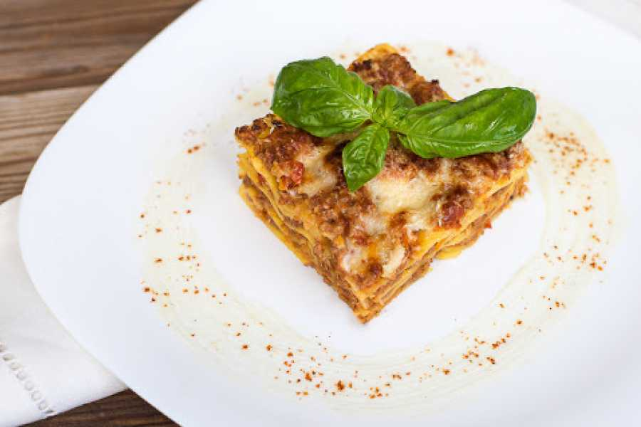 Venice Tours srl ITALIAN CHEF PREPARES LASAGNE AT YOUR HOME!