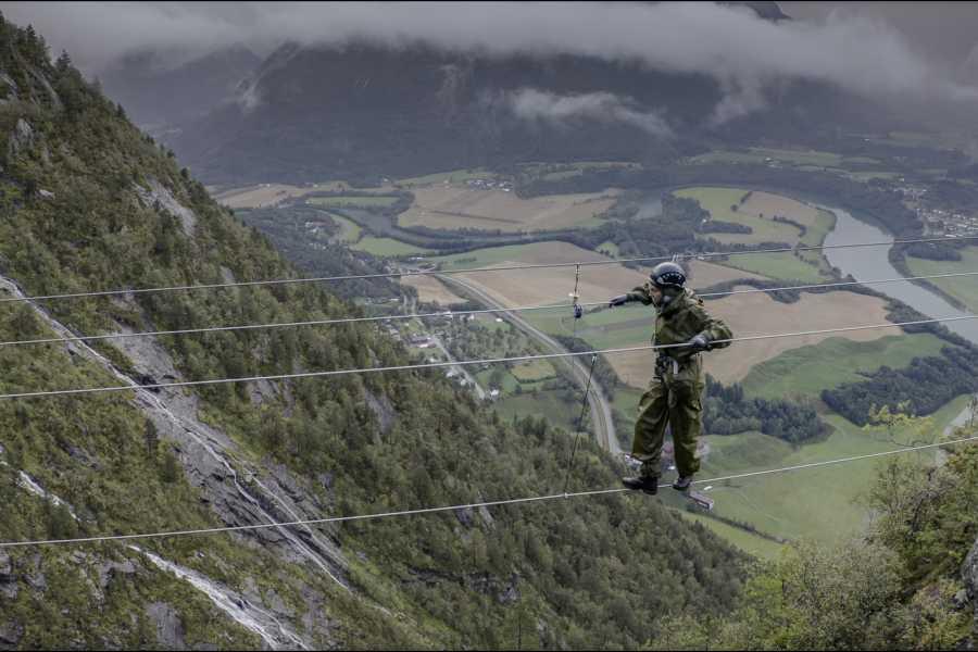 Norsk Tindesenter Geführte Klettersteigtour: Romsdalsstigen Introwand