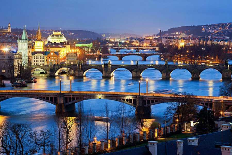 Turistico s.r.o. Praga... Bella y Solitaria