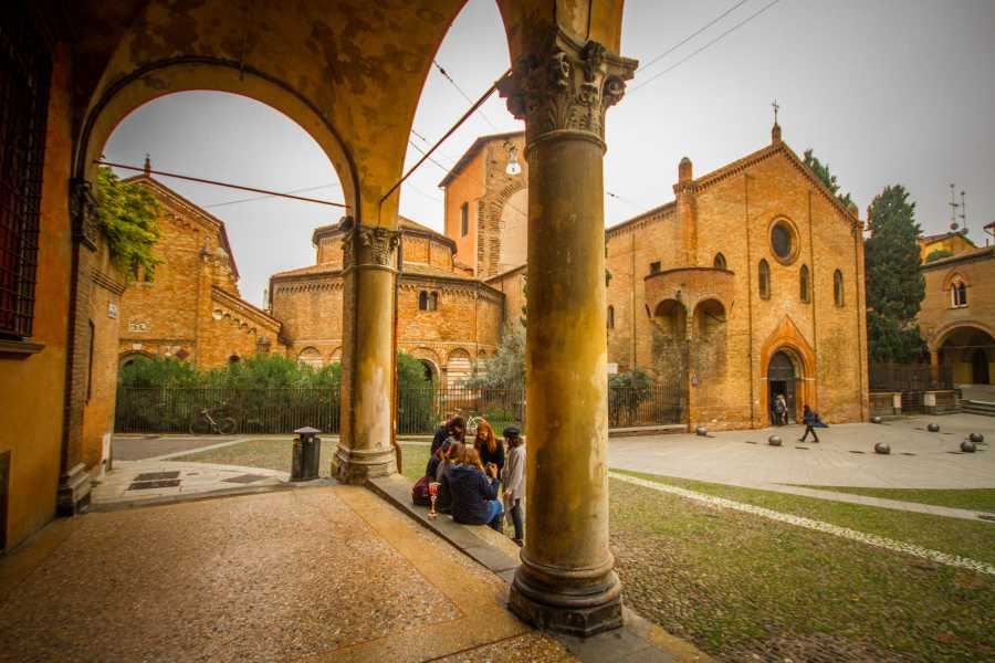 Bologna Welcome Bologna innamorata