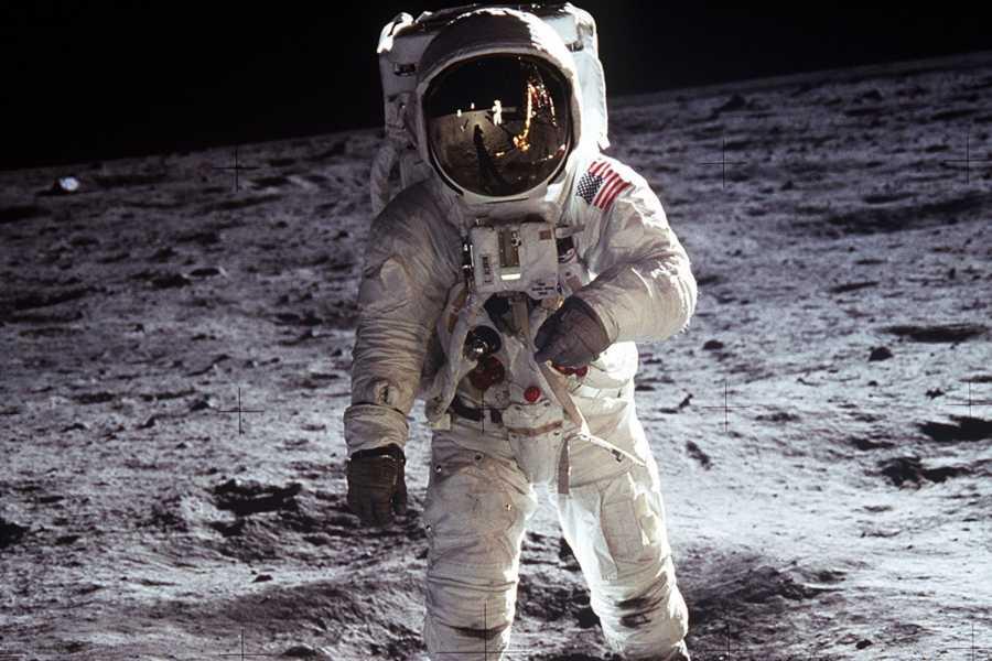 Runde Miljøsenter AS Frå Sunnmøre til månen