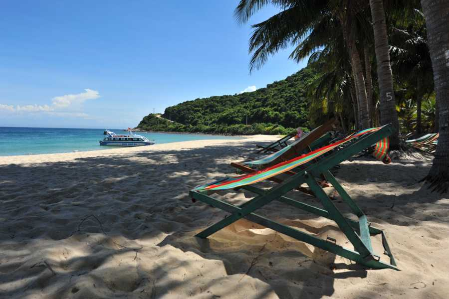 Viet Ventures Co., Ltd Da Nang - Cham Island - Hoian 3 day tour