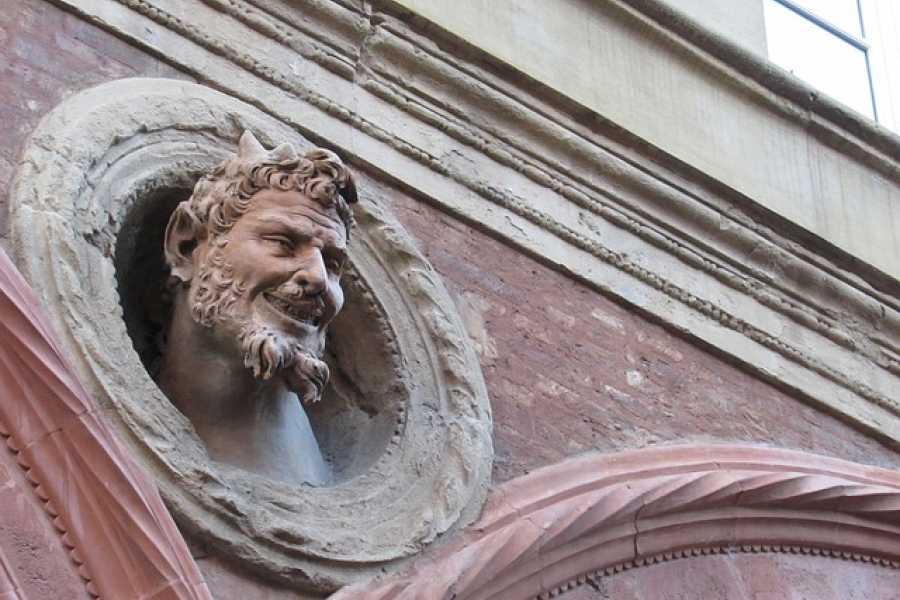 Bologna Welcome Diavoli, streghe e leggende: i misteri di Bologna.