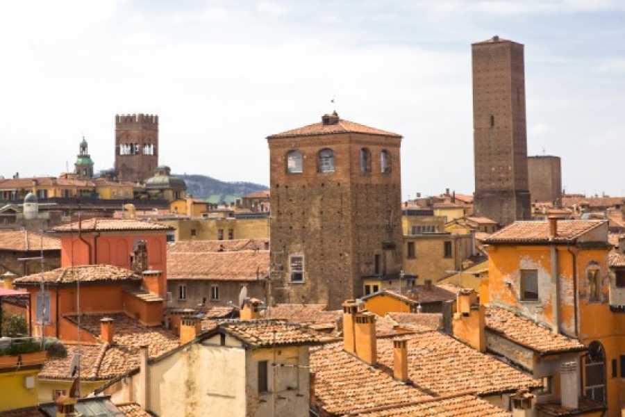 Bologna Welcome Torri e storie di paura