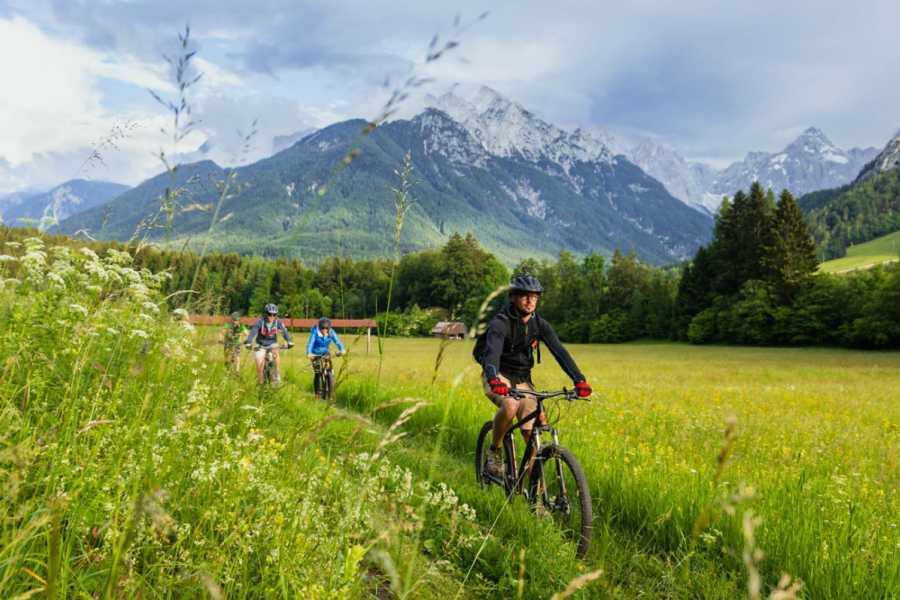 """Turistično društvo in Center gorskega vodništva Mountain Bike Camp """"Zgornjesavc"""""""