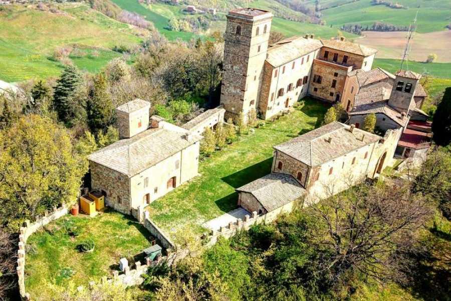 Modenatur Visita a corte e nel parco del Castello di Montegibbio