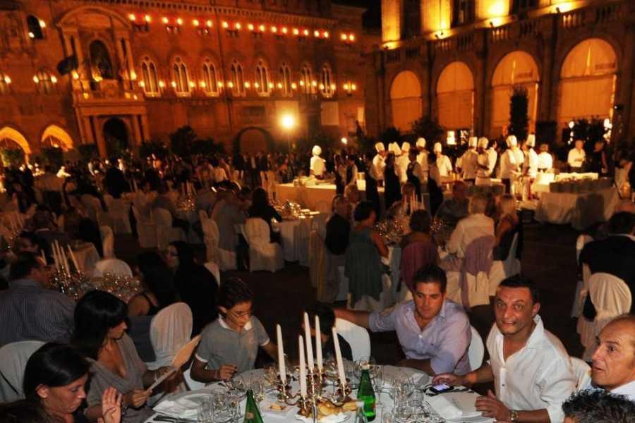 Bologna Welcome Ripartire dopo il Covid, storie di sport | Cena-spettacolo in Piazza Maggiore