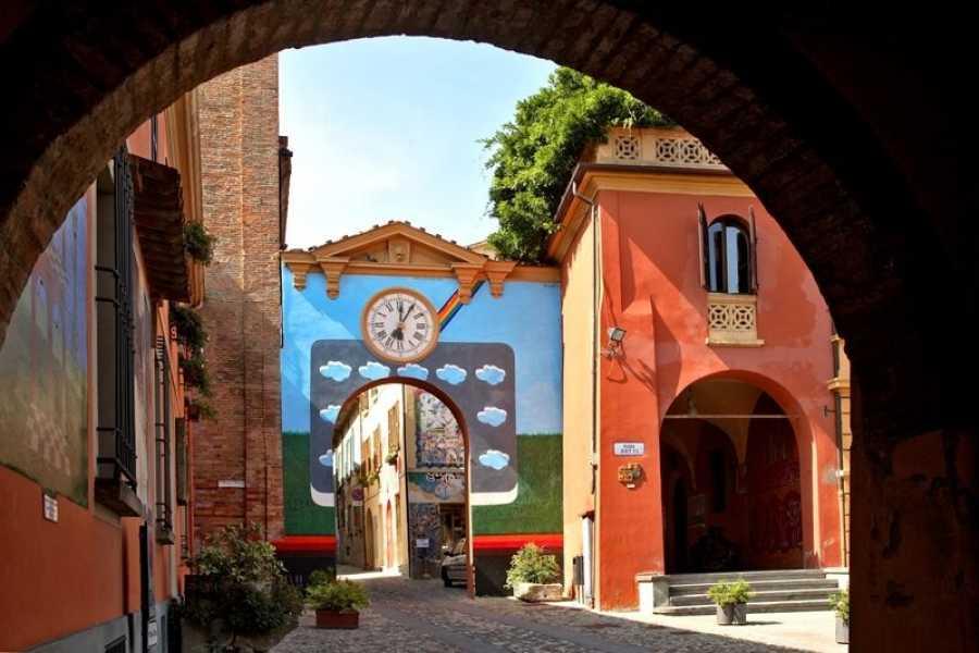 Bologna Welcome Degustazione di olio extravergine e vino di Palazzo di Varignana e visita del borgo medievale di Dozza
