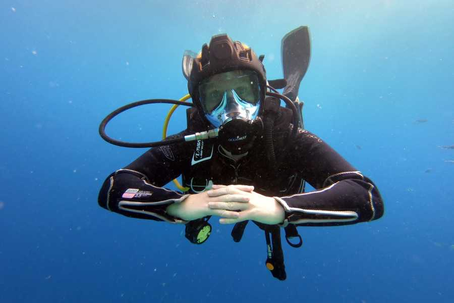 Blue Bay Dive & Watersports PADI Open Water Course + Full Face IDM Specialty