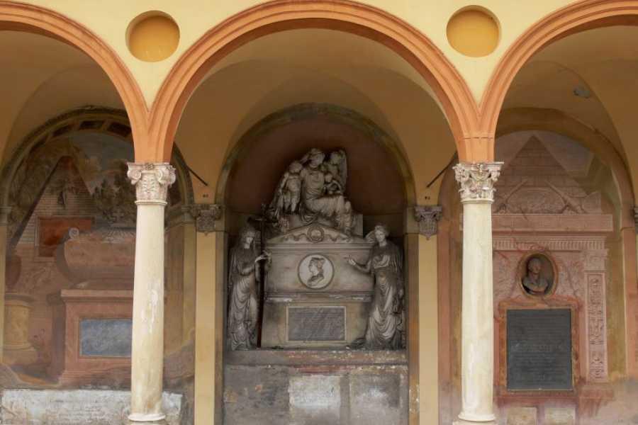 Bologna Welcome Significati nascosti: simboli e allegorie nella Certosa di Bologna