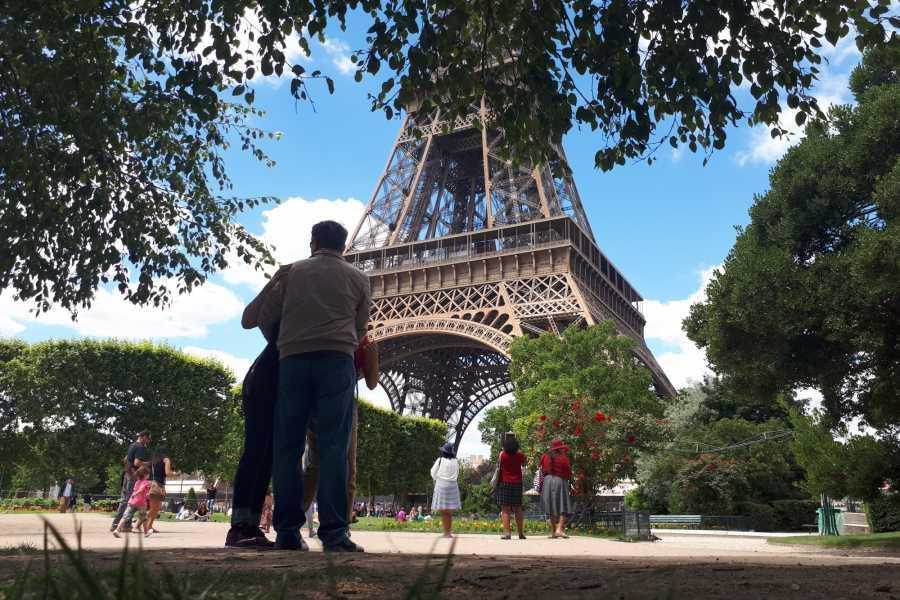 Memories France Visite guidée de la Tour Eiffel jusqu'au sommet